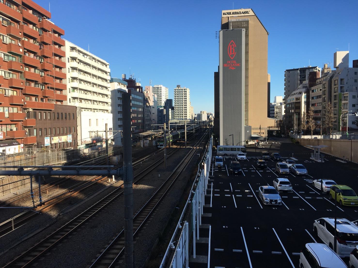 【大塚駅】ぶらり、ちょこっと大塚さんぽ。空蝉橋から抜けるスカイツリーが気持ちいい!の大塚駅の空蝉橋から見える景色1