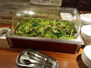 食べ放題は要注意「焼肉本舗 ぴゅあ 池袋店」のビュッフェ2