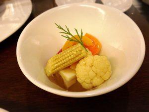 ダイニングバー「レガル東京」の7種の野菜ピクルス