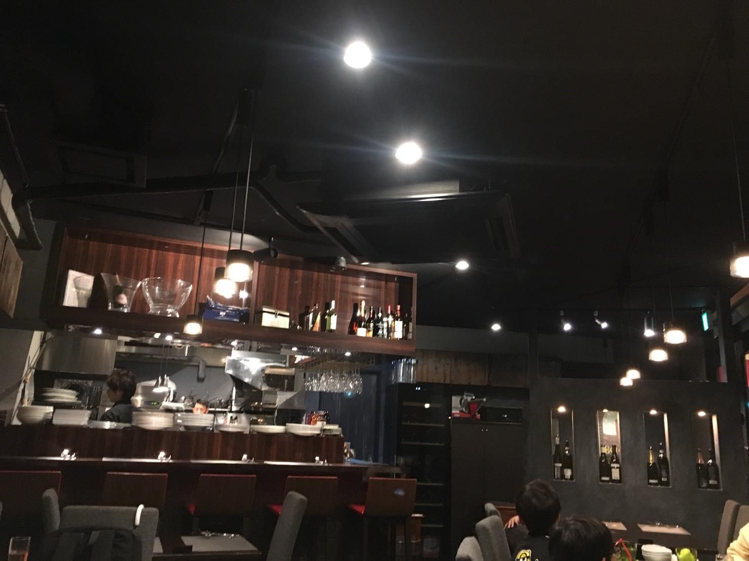 【池袋駅】リーズナブルなフレンチ&イタリアン「LAPLACE SONO 池袋店」の店内