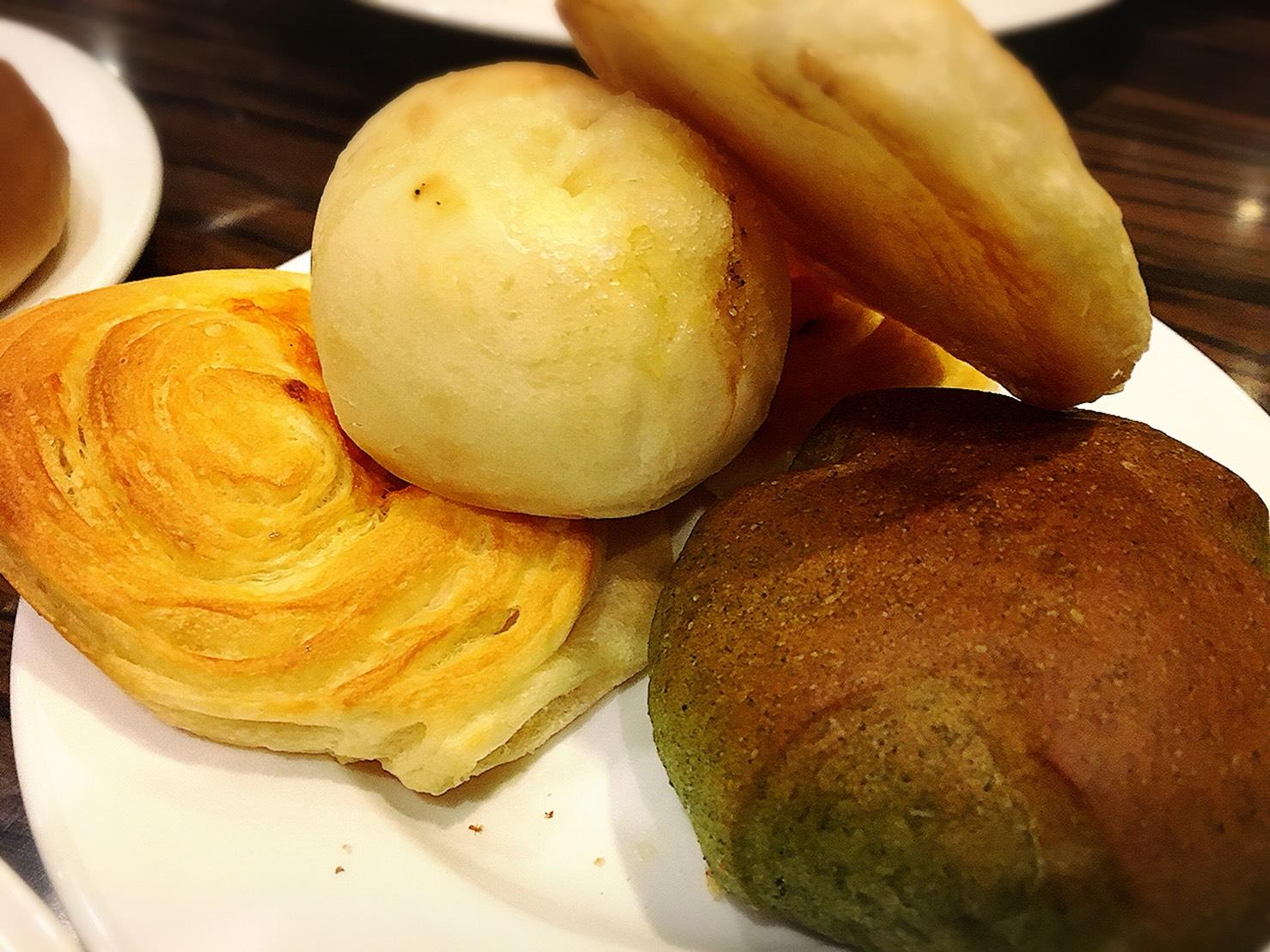 【池袋駅】自家製パン食べ放題とグリルで満腹「ビストロ309」のパン食べ放題1