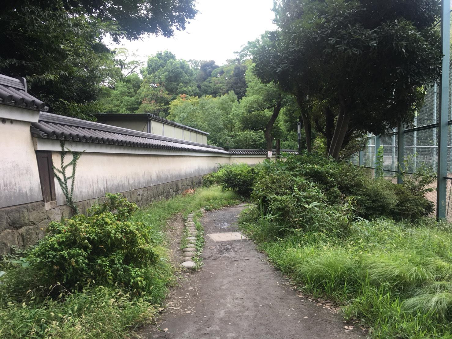 【飯田橋駅】江戸時代の中国趣味豊かな景観で一句「小石川後楽園」の小石川後楽園の裏