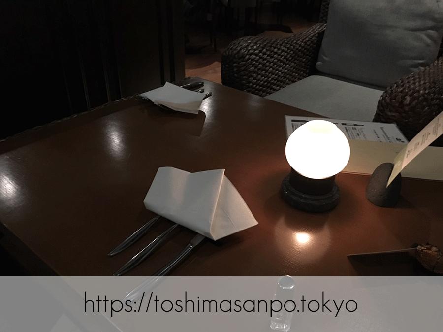 【池袋駅】59Fの夜景!ハワイアン「ジンジャーズビーチ サンシャイン」のテーブル1
