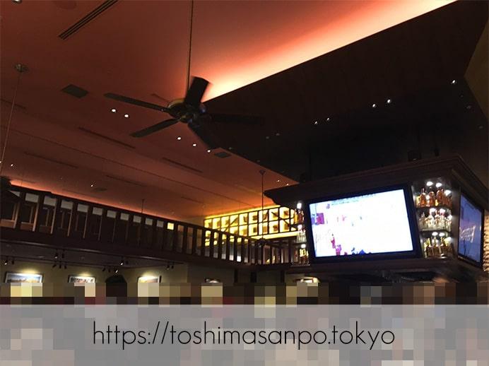 【池袋駅】ぜんぶ予想外のUSA!「アウトバックステーキハウス」の店内2
