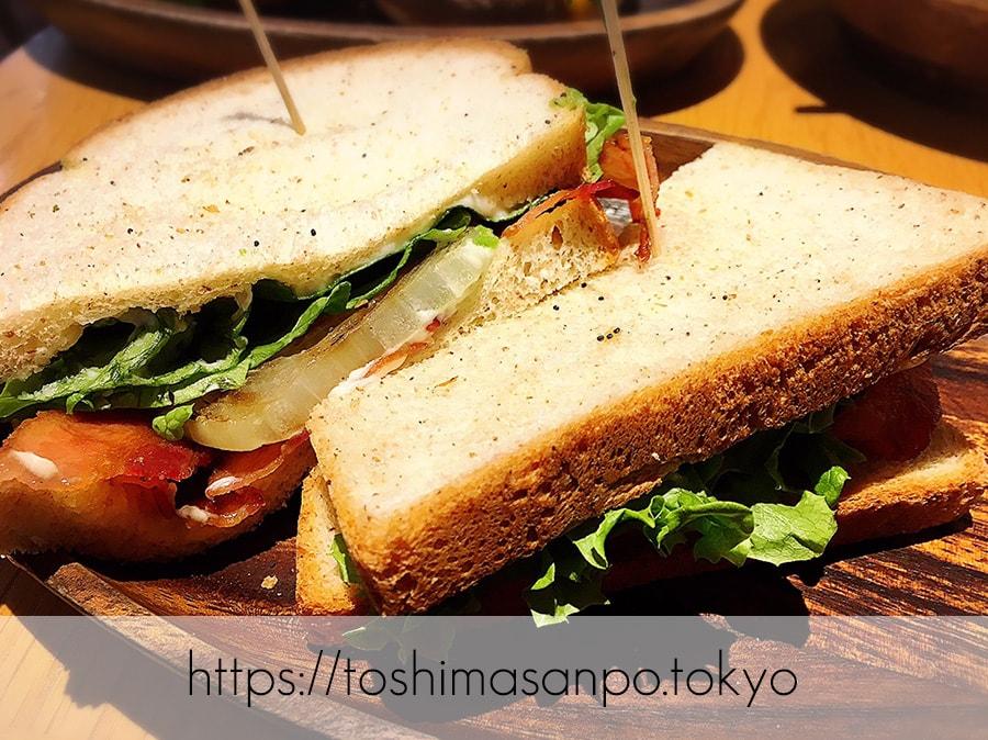 【池袋駅】早速食べ比べハワイのハンバーガー「KUA`AINA クア・アイナ」のBLTサンドイッチ