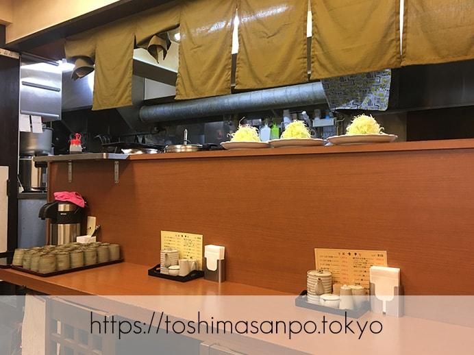 【池袋駅】ガッツリの食べ応え!ランチに食べたいボリューム満点・胃袋大満足のとんかつは「清水屋」のカウンター席